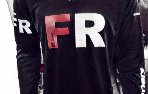 5. Polera Oficial FR Adidas Running Manga Larga Negra